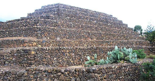 Piramidi Etna Turrette